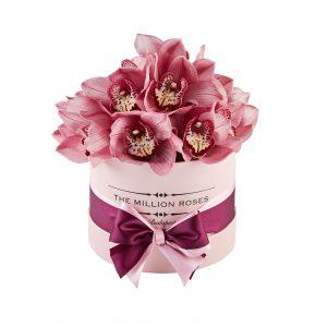 %d8%af%d8%b3%d8%aa%d9%87%e2%80%8c%d8%a8%d9%86%d8%af%db%8c-%d9%86%d8%b4%d8%af%d9%87 گلهای ولنتاینی؛ محبوب ترین گلهای روز ولنتاین NEW4 300x300